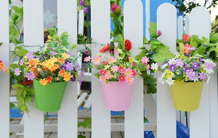 5 Simple Ways to Beautify Your Fence This Thanksgiving