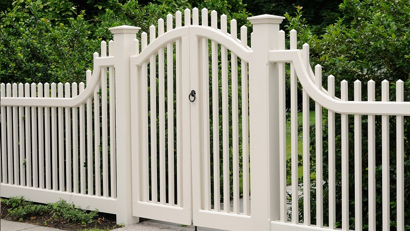 Decorate your white fence